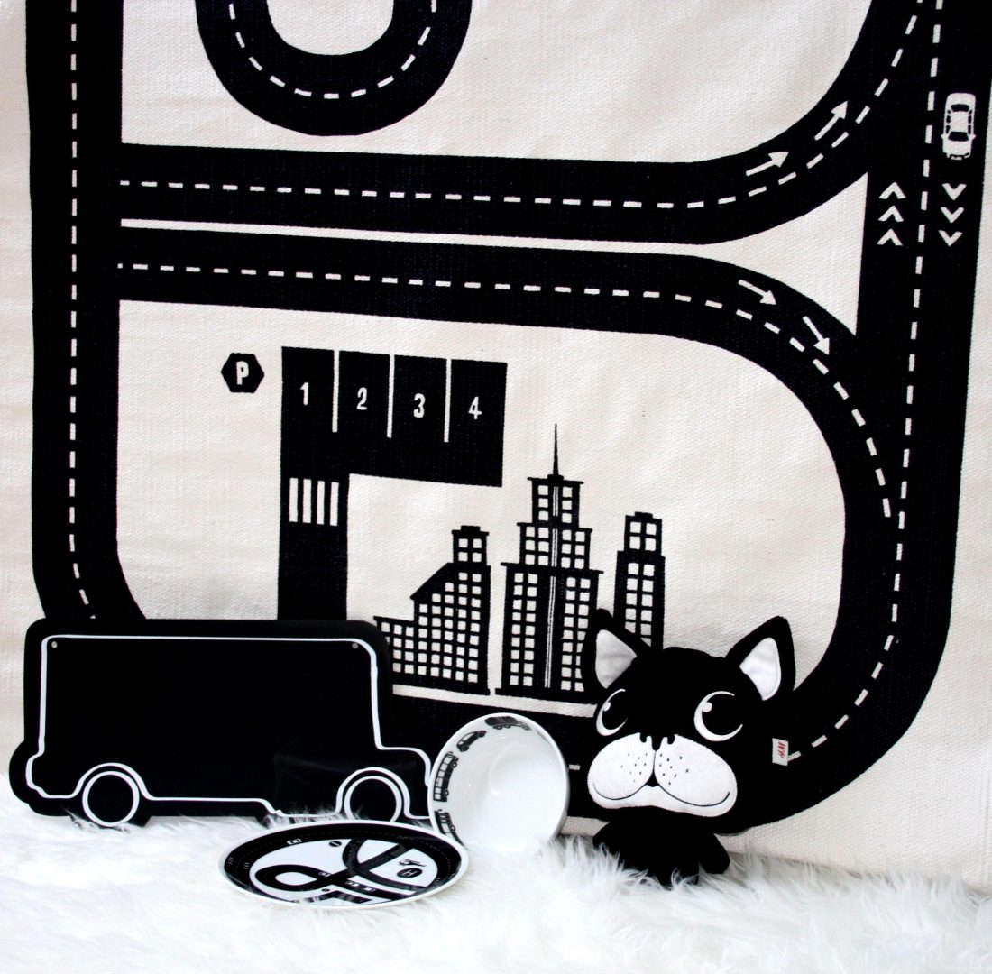 HM1 - Musthave | H&M Home black & white
