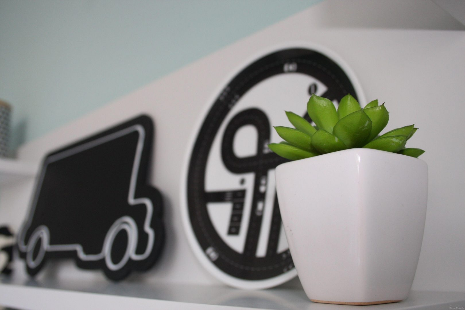 HM6 - Musthave | H&M Home black & white