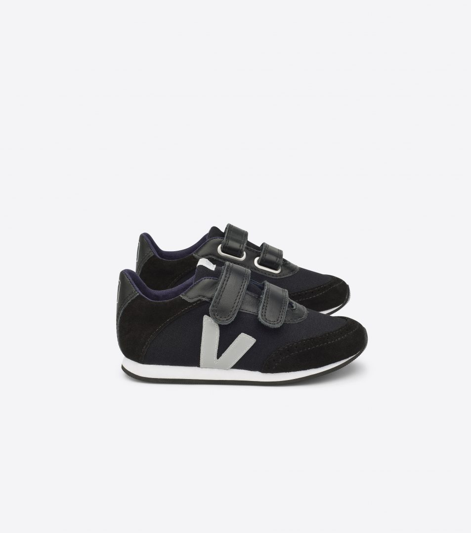 VEJA ARCADE SMALL CANVAS BLACK BLACK OXFORD GREY lateral par 1 - GET INSPIRED   fabulous shoes for kids