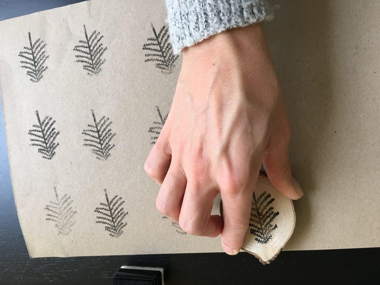 IMG 2678 - DIY | Zelf kerstkaarten en inpakpapier maken