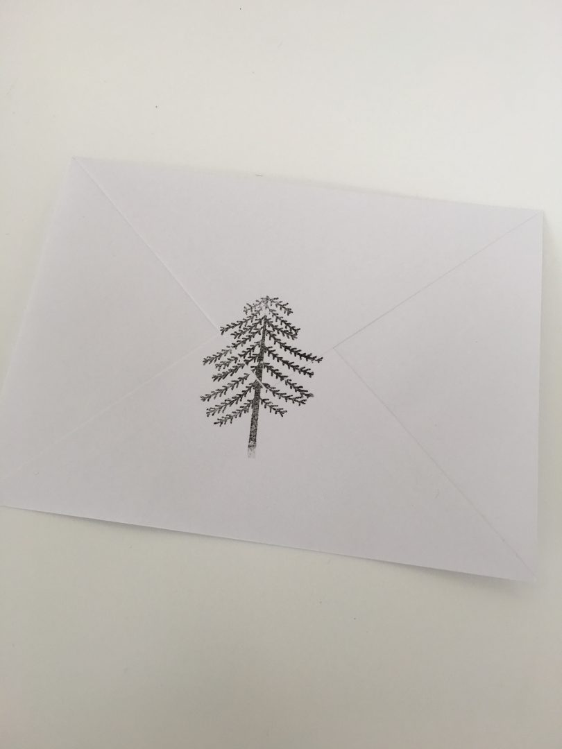 IMG 2687 e1449319117832 - DIY | Zelf kerstkaarten en inpakpapier maken