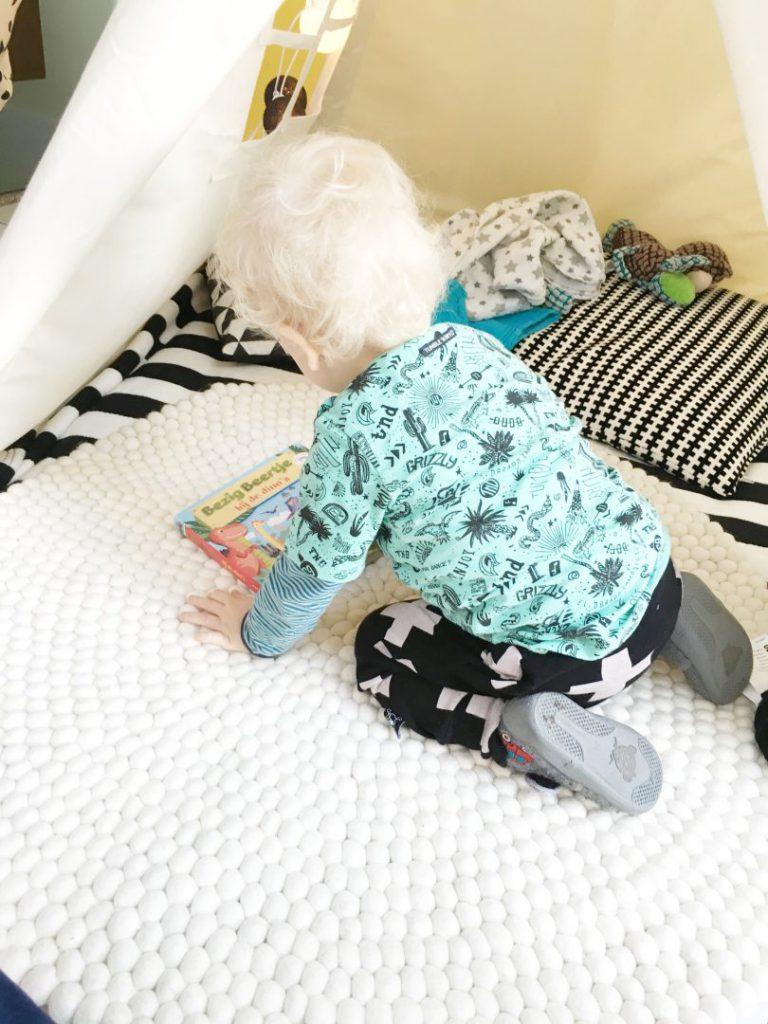 FullSizeRender 864 768x1024 - Een bolletjeskleed als speelkleed