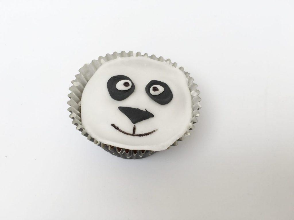 FullSizeRender 1142 1024x768 - Birthday cake & snacks