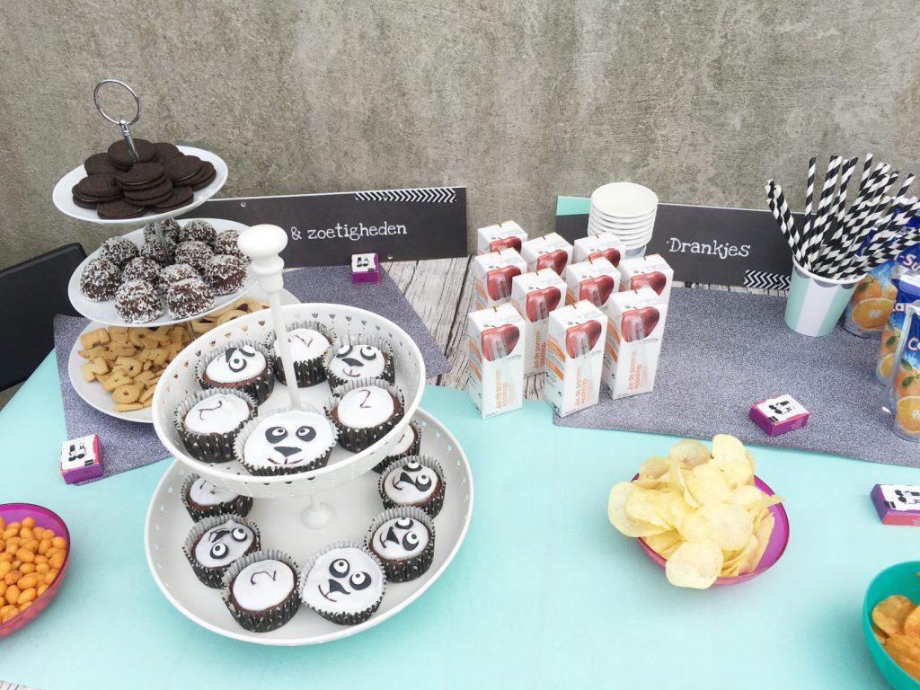FullSizeRender 1193 1024x768 - Birthday cake & snacks