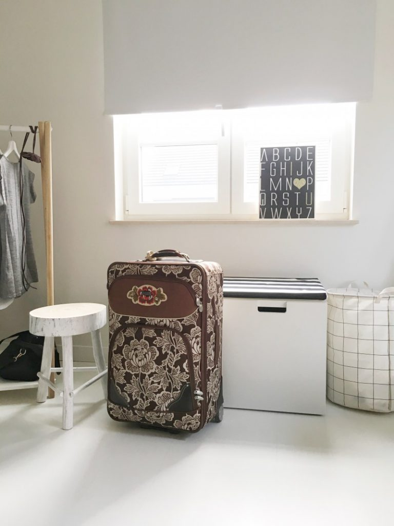 FullSizeRender 430 768x1024 - Wat steek ik in mijn vluchtkoffer - materniteitskoffer ?