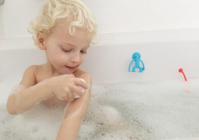 FullSizeRender 452 640x450 - Sensopatisch speelgoed Moluk: Pluï, Cloudy en Oogi