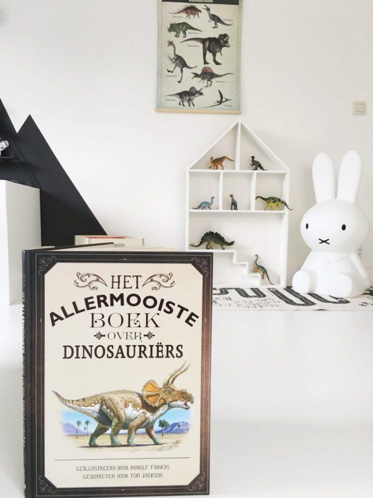 FullSizeRender 936 768x1024 - Plezier met dino's  & win het allermooiste boek over dinosauriërs