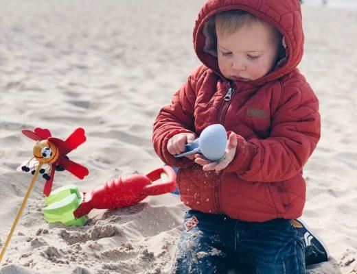 Spelen op het strand van oostende - unicorns & fairytales