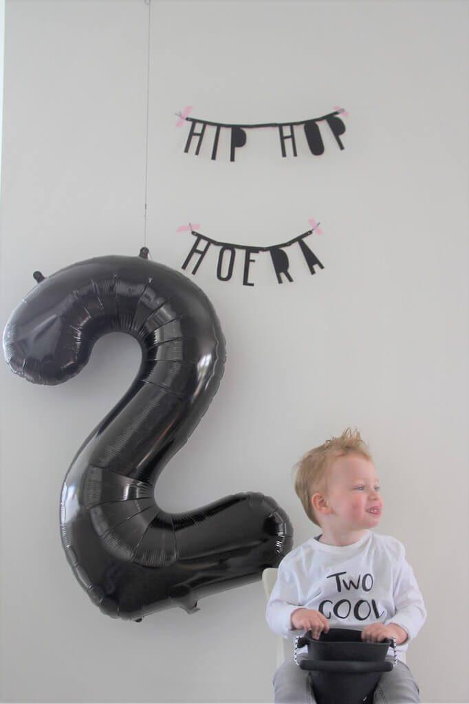 beau2 1 682x1024 - Birthday party van Beau, mét konijnenkroon