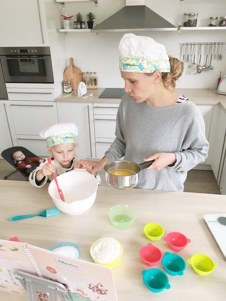 cake bakken kinderen 13 768x1024 - Little chef Vince in de keuken!