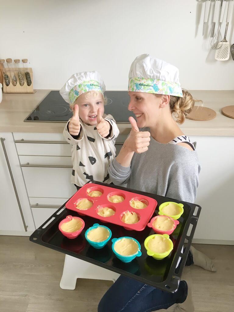 cake bakken kinderen 8 768x1024 - Little chef Vince in de keuken!