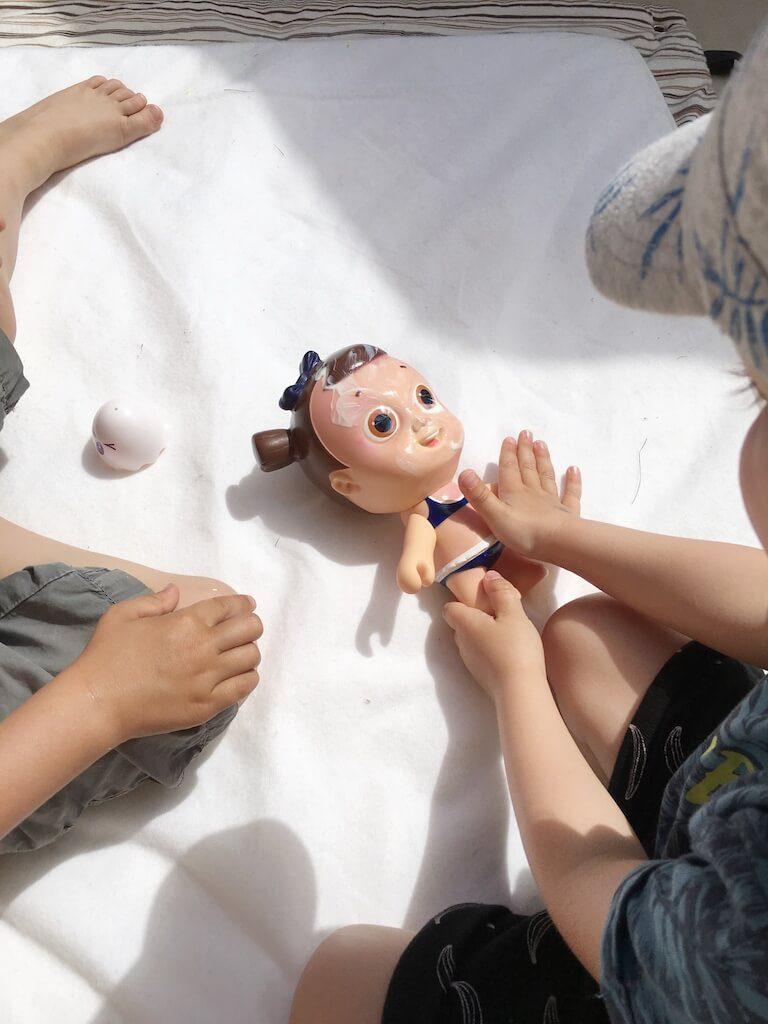 zonnepop nivea 1 768x1024 - Zo leert jouw kind zich beschermen tegen de zon