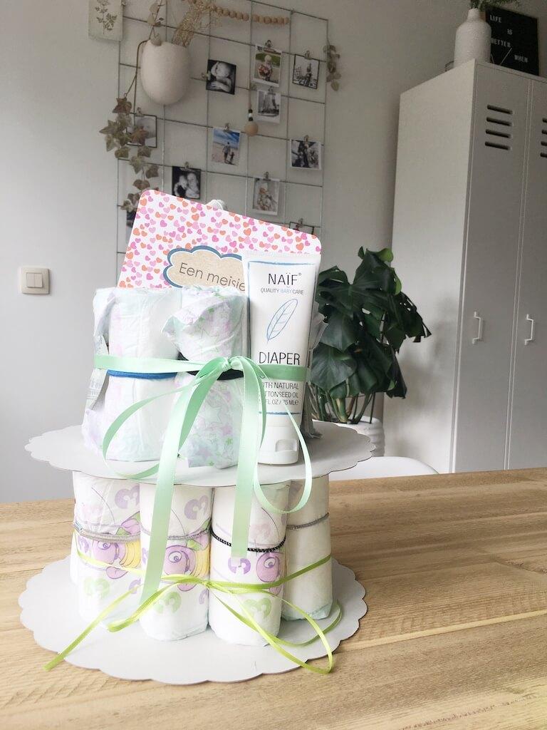 luiertaart 2 - DIY// 10 (makkelijke) zelfgemaakte babyspullen om te houden of te geven
