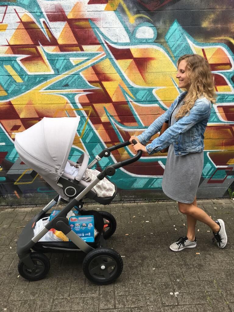 kinderwagen stokke trailz 1 768x1024 - Budgetvriendelijke babyuitzet met handige tips voor toekomstige ouders