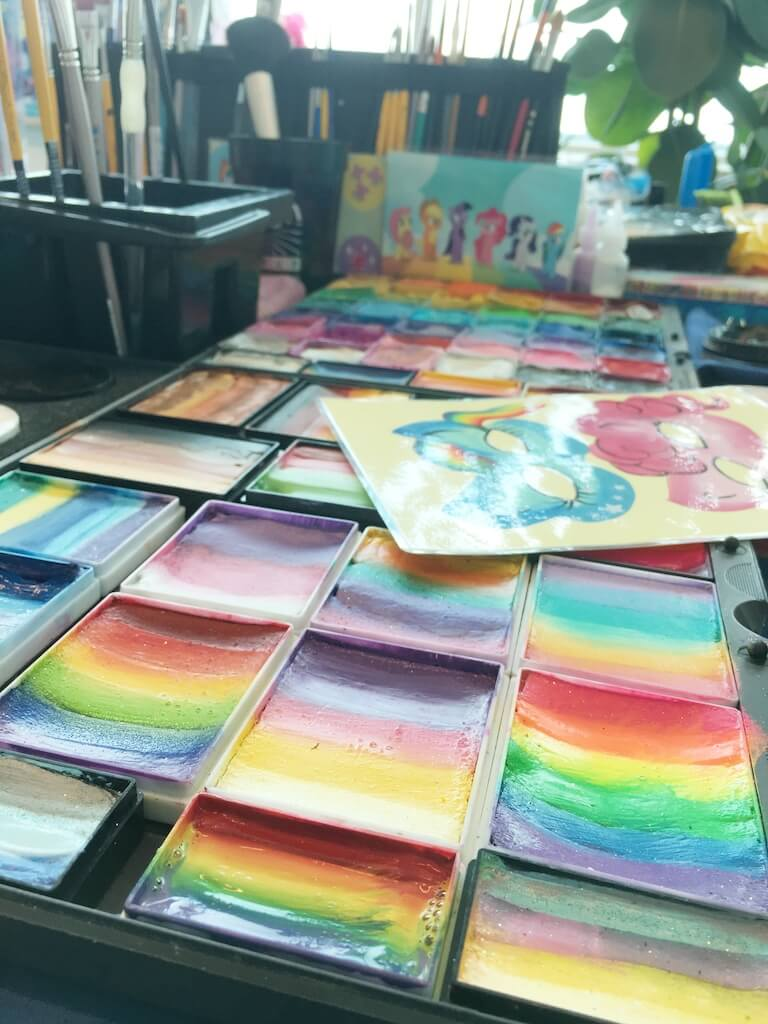 FullSizeRender 144 - Diary 102  Naar de speelgoedfabriek én beautyparty