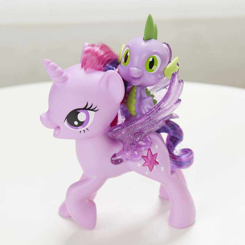MLPTwilight.SparkleSpikeDuet.Sfeer .HR preview - Unicorns & Fairytales is jarig en trakteert