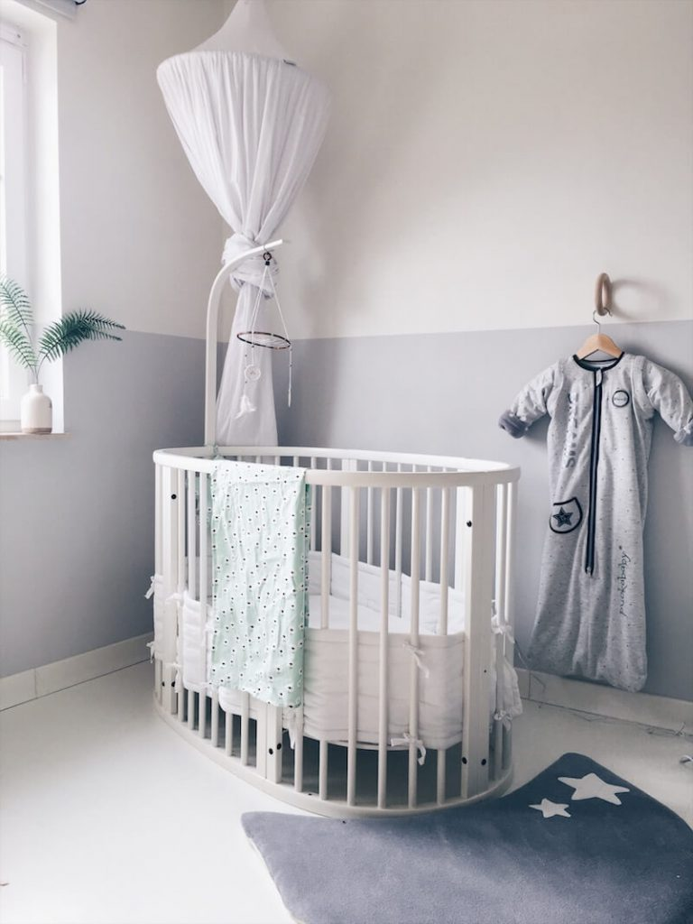 3669612B F11C 4A42 A489 D313AF6E4373 768x1024 - Hoeveel kost een babyuitzet gemiddeld?