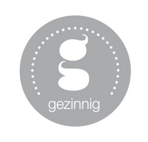 gezinnig logo lichtgrijs 300x288 - As we speak #13