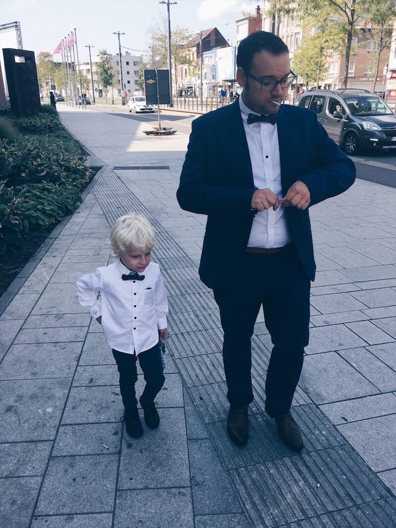 290FDFF8 886D 4A7A AB5E E9715EC25FB4 - Een wondermooi feest met matching outfits voor vader en zoon