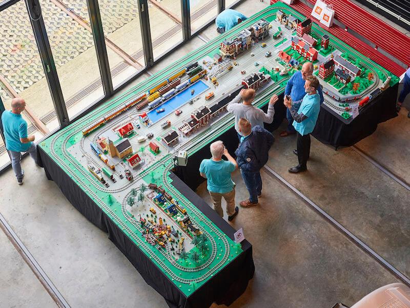 Maquette - Lego en Train World slaan de handen in elkaar & win de Duplo stoomtrein of Lego Passagierstrein