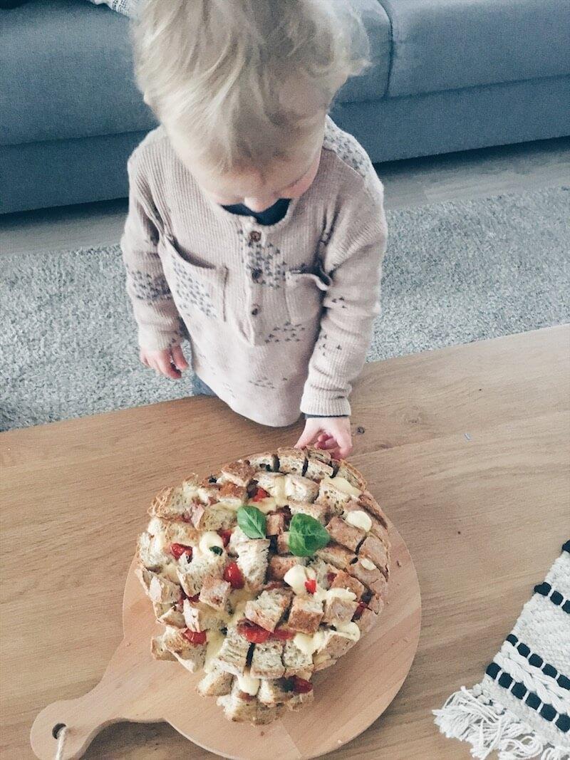 plukbrood of pull apart bread - unicorns & fairytales