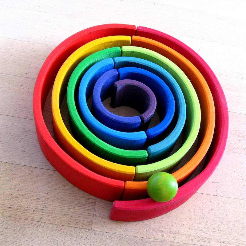 Houten regenboog 19 - Leuke spelvormen met de houten regenboog van Bajo en Grimm's + WIN!