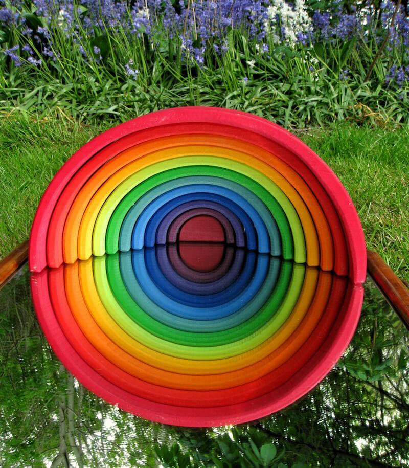 Houten regenboog 34 - Leuke spelvormen met de houten regenboog van Bajo en Grimm's + WIN!