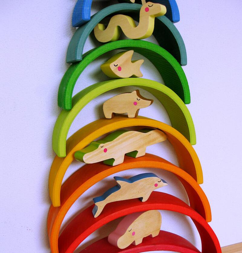 Houten regenboog 5 - Leuke spelvormen met de houten regenboog van Bajo en Grimm's + WIN!
