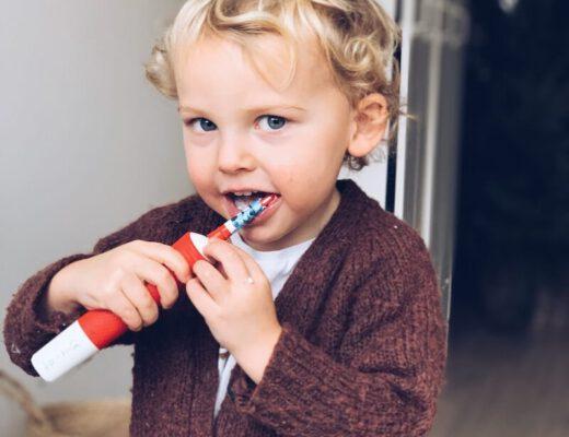 tips tanden poetsen bij kinderen - unicorns & fairytales