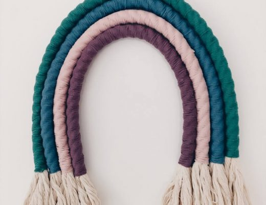 DIY macramé regenboog wandhanger maken