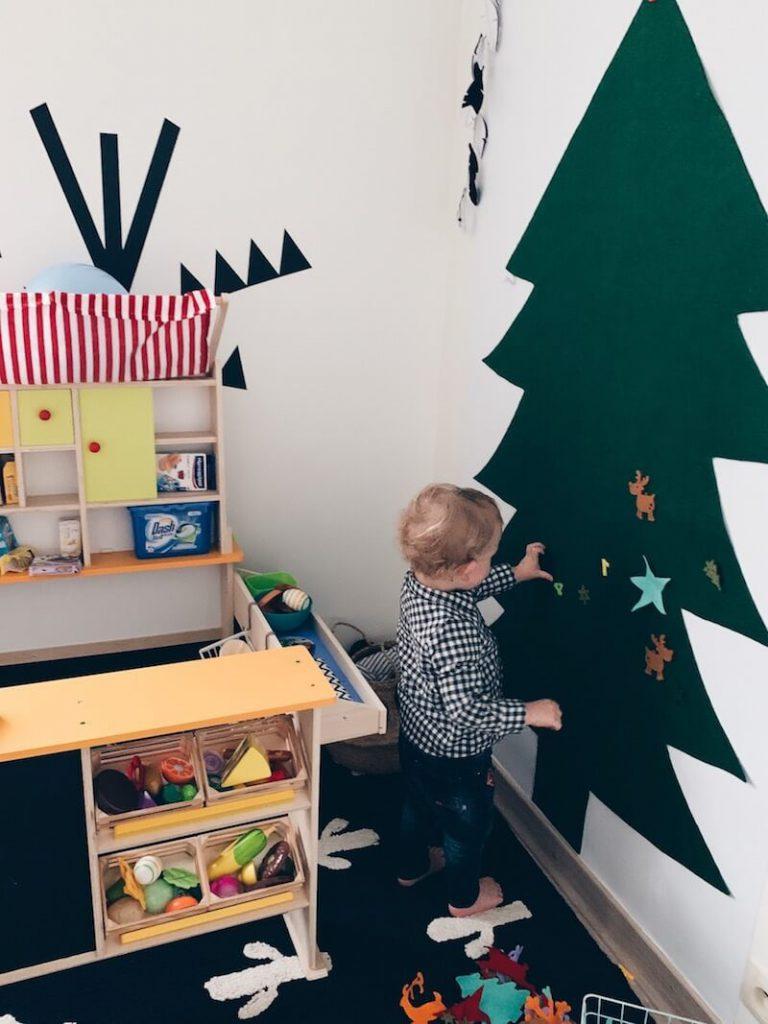 CAFD7FEC 5ECC 4A83 AE62 34FD10C2AFDF 768x1024 - Leuke kerstbomen knutselen met kinderen