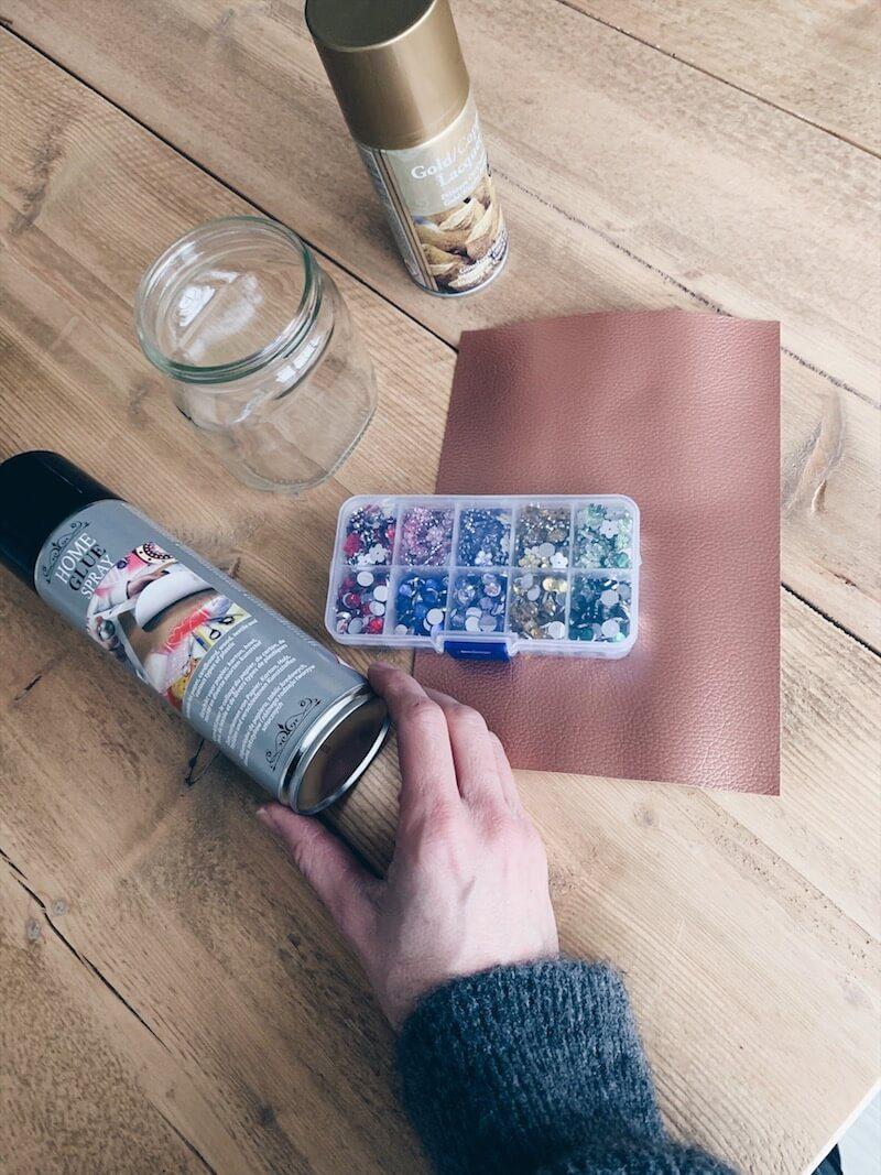 002A0981 45EF 49CB 8652 324898487766 - Upcycling DIY: gebruik een lege bokaal als snoeppot gift