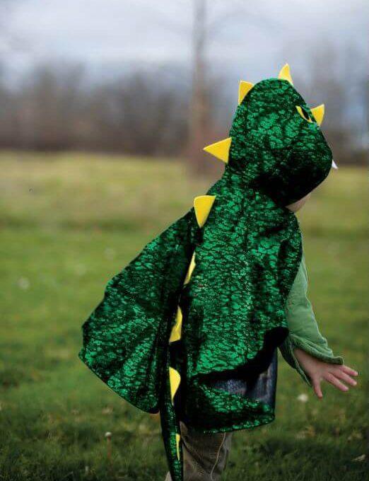 knalgroene toddler draken cape 2 e1550484845314 - Leuke cadeaus voor een kleuter van 5 jaar