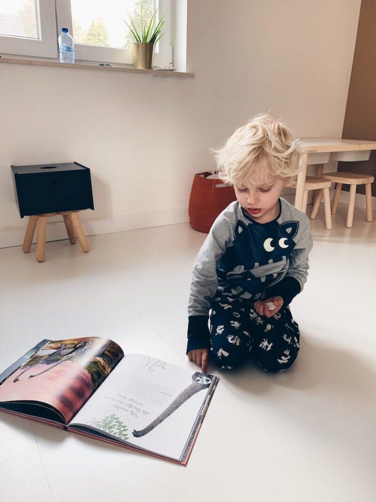 43CE1188 9742 4766 9A6C 3C27BD8BE637 768x1024 - Boeken voor nieuwsgierige kindjes die ALLES willen weten! & WIN!