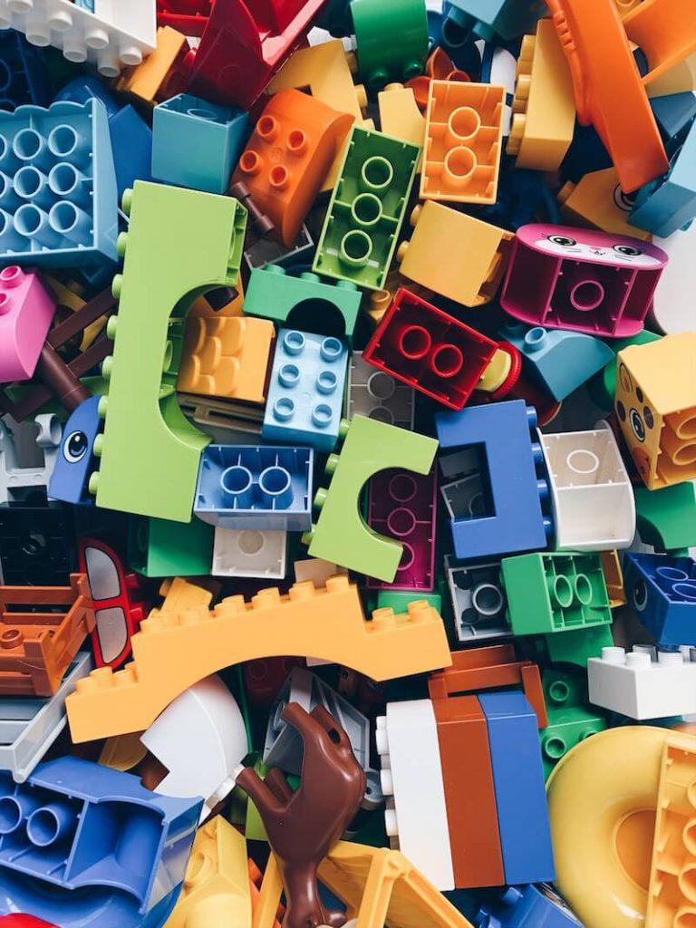 66C8FC23 F224 403D B599 ADF41E88E555 768x1024 - Speelgoed waar onze 2,5 en 5 jarige goed mee (samen) spelen!