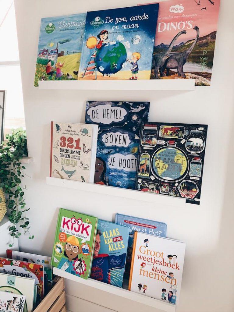 F3E970A4 C38E 4770 8682 B7619FE19664 768x1024 - Boeken voor nieuwsgierige kindjes die ALLES willen weten! & WIN!