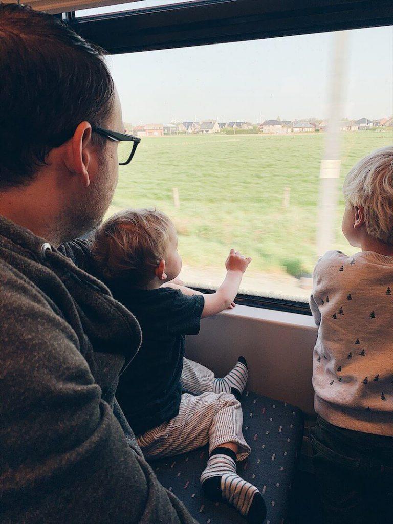 D967C570 F905 436F 8B46 AF33458D8871 768x1024 - Voordelig op 'Happy Trip' met de trein naar de Kust!