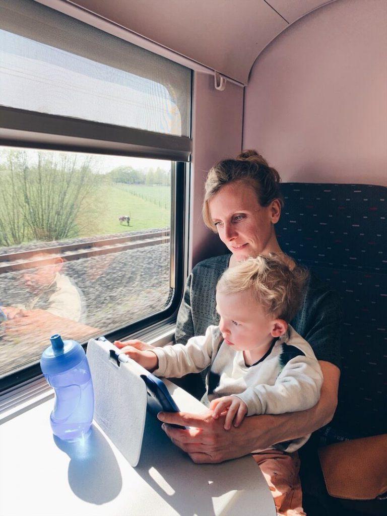 E2EF2C0A 365E 4341 BFB2 7744547B969F 768x1024 - Voordelig op 'Happy Trip' met de trein naar de Kust!