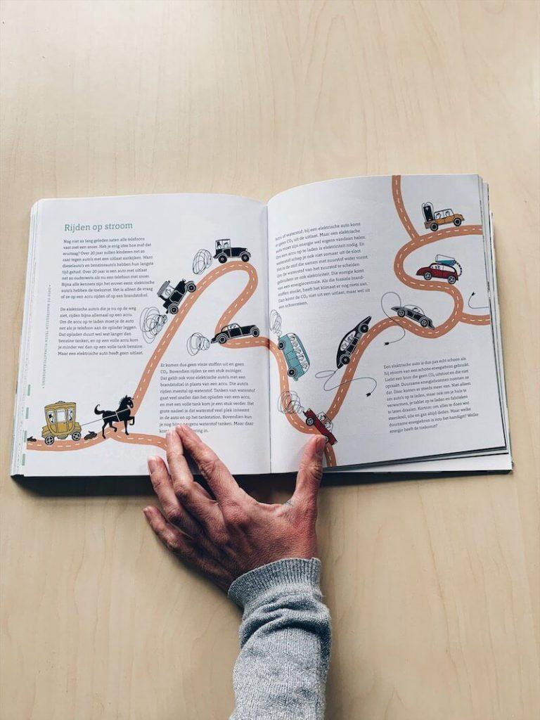 7D7C3CC8 F350 4807 97B4 B7570E80064D 768x1024 - Met deze boeken leren kinderen (en jij ook) wat nou klimaatverandering is en wat we kunnen doen....