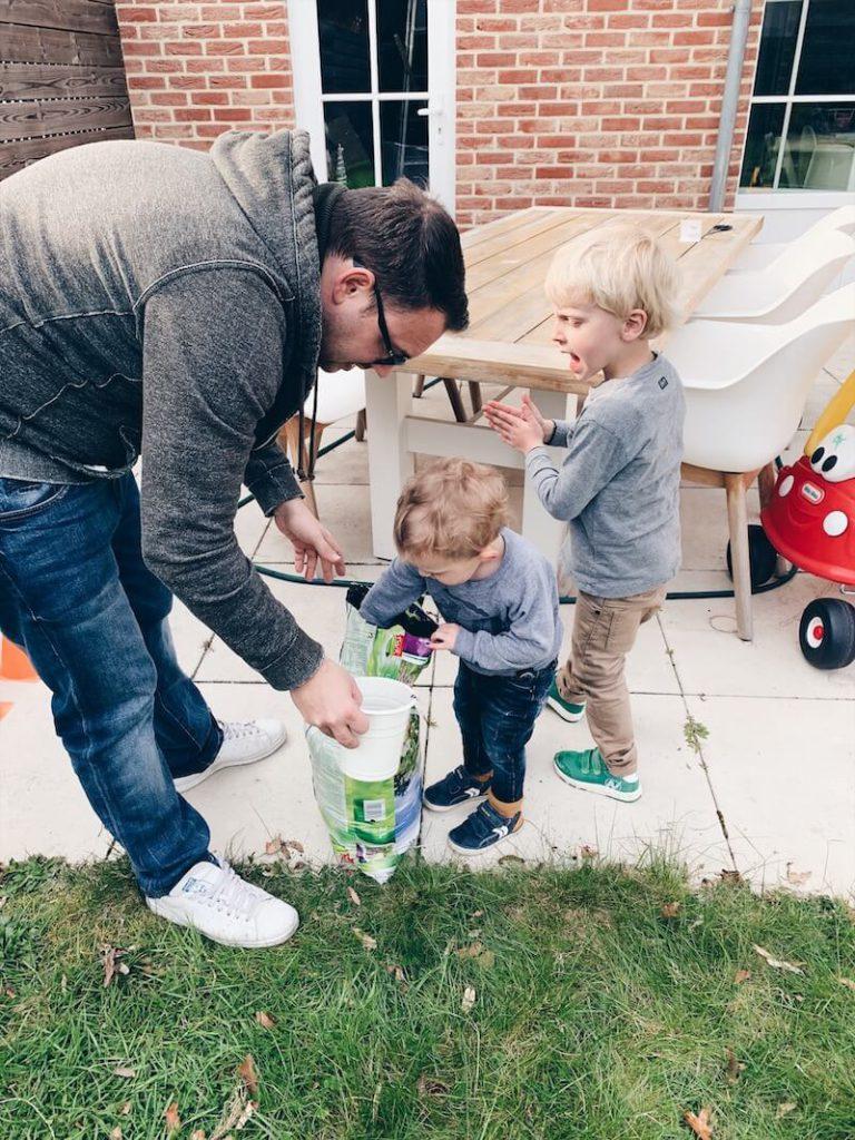 FB81C699 B793 4F7A 8015 77C3A2FBB01C 768x1024 - 10 tips en ideetjes bij het beginnen van een moestuin met kinderen