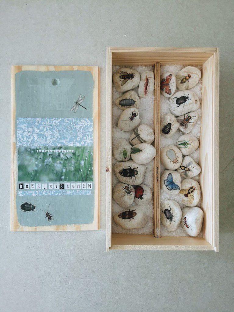 Kist en stenen 768x1024 - Vertelstenen zelf maken en hoe je ze kunt inzetten voor verschillende thema's