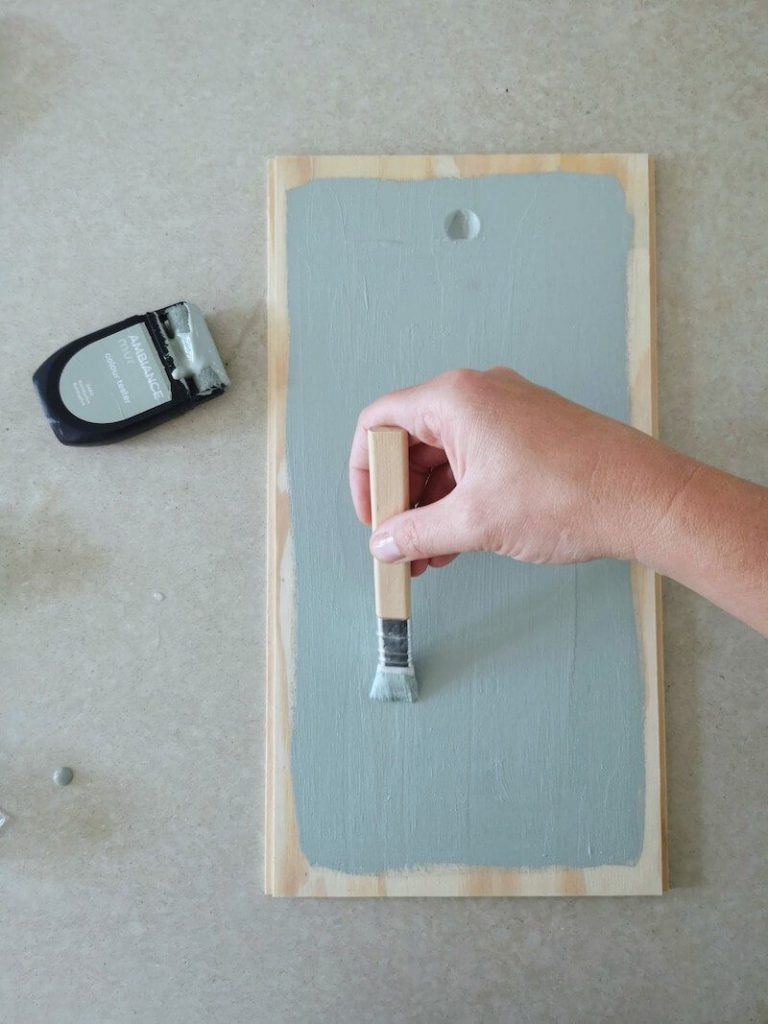 Kist schilderen 768x1024 - Vertelstenen zelf maken en hoe je ze kunt inzetten voor verschillende thema's