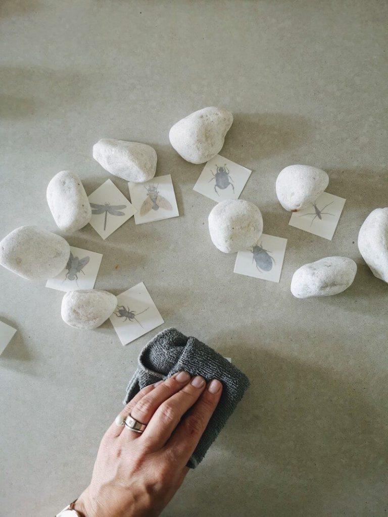 Stap 2 768x1024 - Vertelstenen zelf maken en hoe je ze kunt inzetten voor verschillende thema's