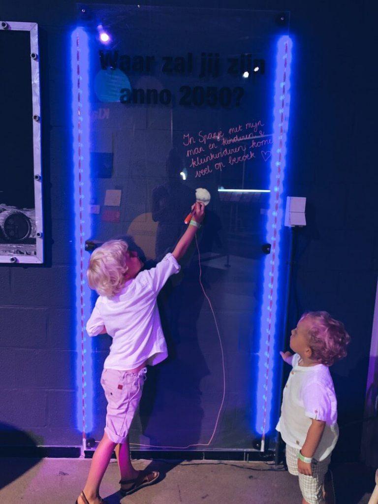 A4D4CBF2 B83B 4631 AA62 CFE280779654 768x1024 - Cosmodrome, een leuke uitstap voor kinderen die meer willen weten over onze ruimte & WIN
