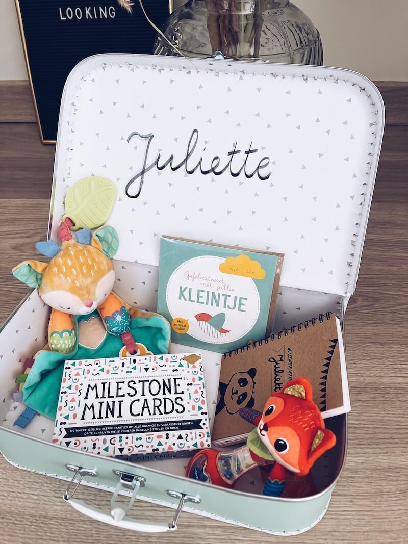 kraamkoffer als cadeau samenstellen - unicorns & fairytales