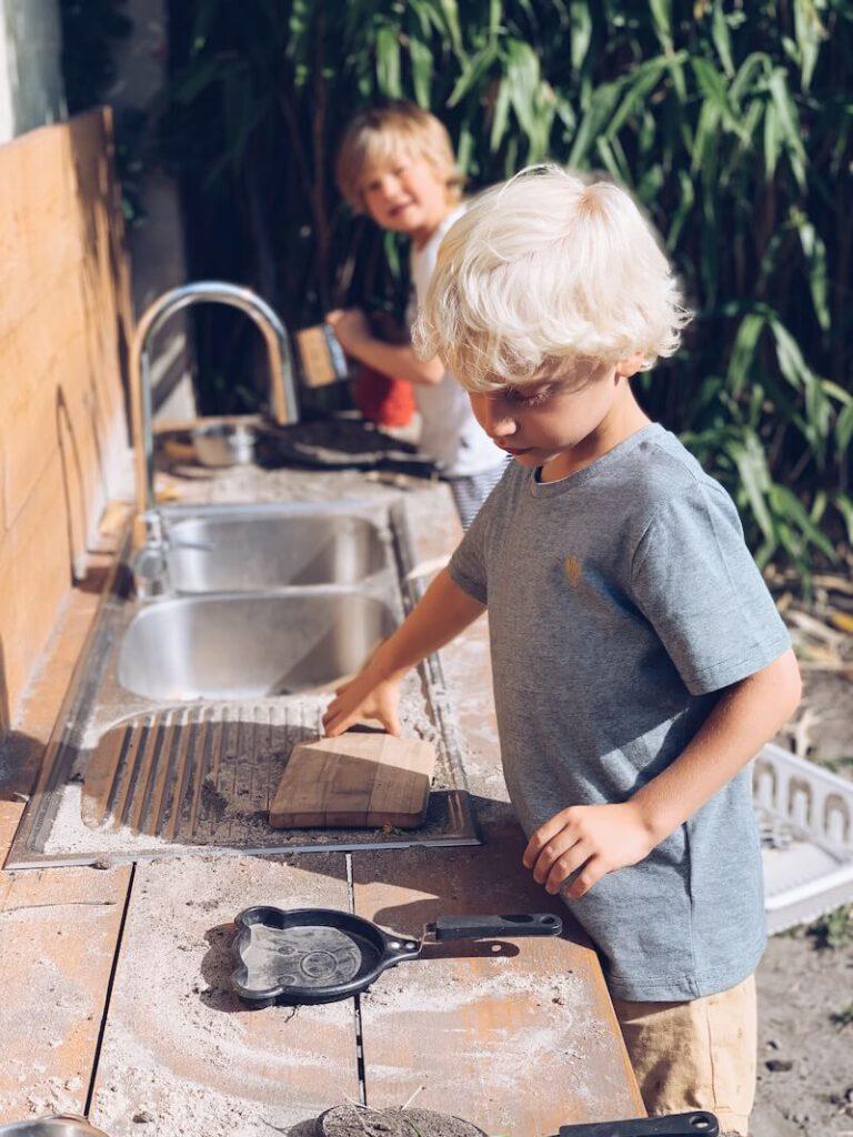 C0808D86 9473 4E21 AF56 F29C1AA7EBB7 768x1024 - Leuke activiteiten die jouw kinderen in de tuin kunnen doen
