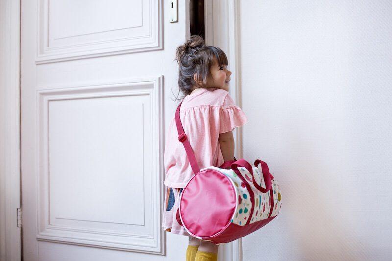 LILLIPUTIENS 84417 RED RIDING HOOD weekend bag kid1 - Back to school met de kleurrijke vriendjes van Lilliputiens & WIN