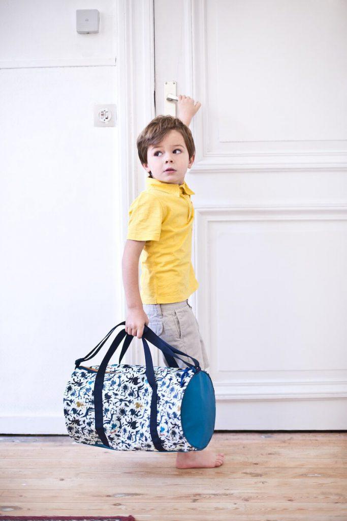 LILLIPUTIENS 84418 MARIUS weekend bag kid1 683x1024 - Back to school met de kleurrijke vriendjes van Lilliputiens & WIN