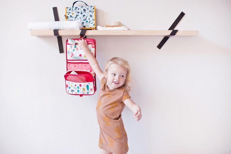 LILLIPUTIENS 84419 84420 toiletry pouch kid1 - Back to school met de kleurrijke vriendjes van Lilliputiens & WIN