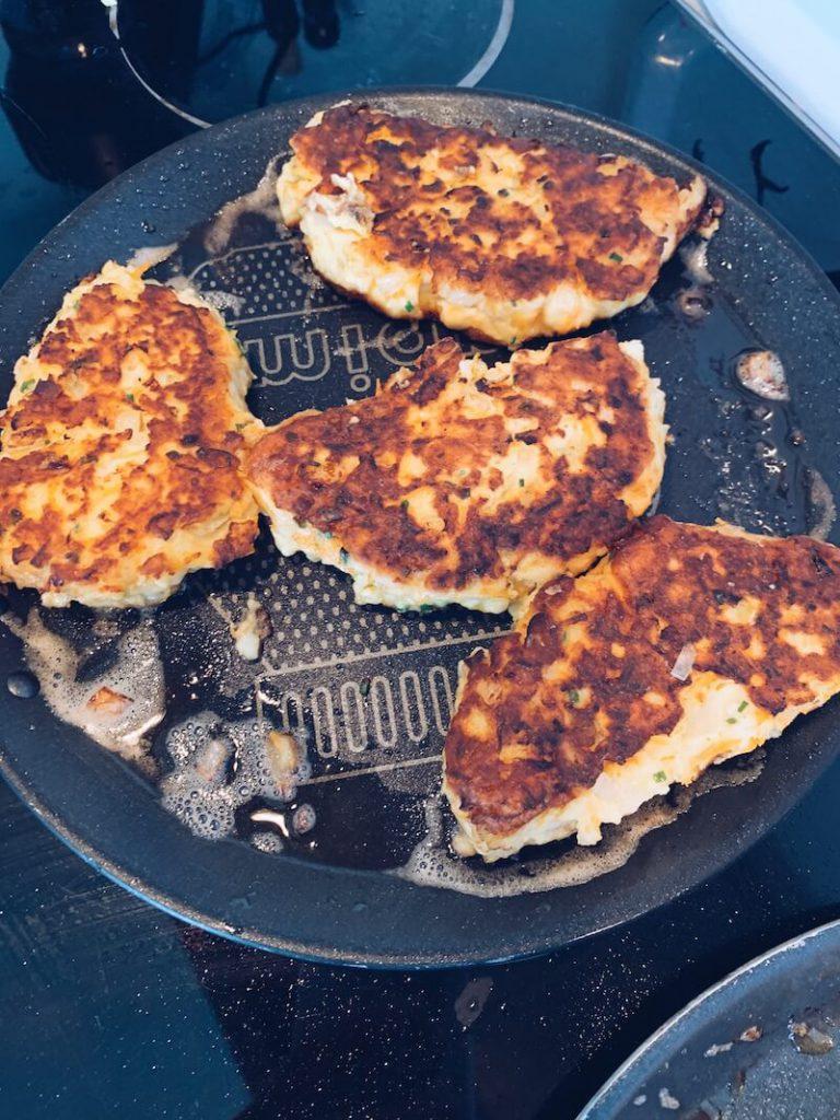 16ACC61D 1DB6 4E24 BFDF AF5A6F44835E 768x1024 - De FiskeKrab : maak zelf een heerlijke visburger